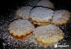 10 perces linzer Hungarian Recipes, Small Cake, Biscuits, Deserts, Good Food, Dessert Recipes, Food And Drink, Muffin, Favorite Recipes