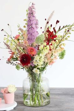All kind of colours by Judith Slagter // judithslagter.nl // #bouquet #boeket #flowers