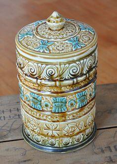 blue and brown cookie jar