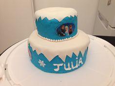 """Gâteau d'anniversaire """"reine des neiges"""""""