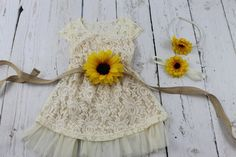 Flower Girl Dress Sunflower Flower Girl Dress by LisaAnnsCreations Fall Flower Girl, Flower Girl Dresses Country, Rustic Flower Girls, Chic Wedding, Fall Wedding, Rustic Wedding, Our Wedding, Dream Wedding, Wedding Ideas