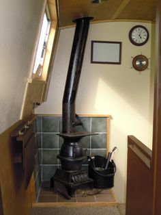 Pot Belly stove in a 30 Foot Narrowboat