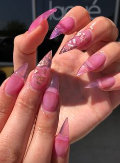 Cute Nail Designs For Spring – Your Beautiful Nails Classy Nails, Fancy Nails, Simple Nails, Nail Tip Designs, Nail Designs Spring, Hot Nails, Hair And Nails, Different Types Of Nails, Finger Nail Art