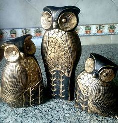 Resultado de imagen para tecnica de pintura en elefante indu Ceramic Birds, Ceramic Pottery, Owl Always Love You, Pooja Rooms, Owl Art, Silent Night, Cute Owl, Clay Crafts, Decoupage