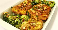 Bacalhau à posta no forno Ingredientes 2 postas de bacalhau demolhadas Batatas pequenas q.b. Brócolos q.b. 1 cabeça de alhos...