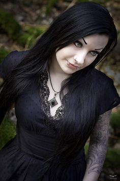 I love the dress! #Goth girl.And what a beautiful gothic woman and like her lip piercing.