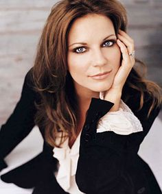Martina McBride one of the classy ladies in Country , that has an amazing voice..love her songs!