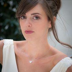 Vesna Garic | Bijoux d'élégance en porcelaine  Pendentif Love.  Petit coeur de porcelaine blanche.