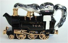 ♥ train engine teapot - Jeeves has a sense of humor for his tea