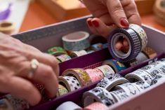 Washi tape; Wat is het en handige tips en voorbeelden om masking tape te gebruiken? What Is Washi Tape, Create Labels, Mini Bunting, Distress Oxide Ink, Bakers Twine, Color Blending, Art Journal Pages, Rice Paper, Masking Tape