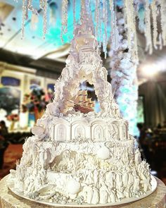 This is Our interpretation of under the sea kingdom Specially custom made for to match their By Elegant Wedding Cakes, Beautiful Wedding Cakes, Gorgeous Cakes, Pretty Cakes, Amazing Cakes, Royal Cakes, Big Cakes, Fancy Cakes, Wedding Cookies