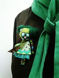 maramanufaktura / brošňa mini MARA lesná zmes /zeleno hnedá/