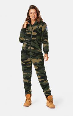 Stay cozy in our new Teddy Love fleece onesie in Camo. Camouflage Fashion, Bleach Tie Dye, Onesie Pajamas, Army Camo, Stuck, Julia, Overall, Military Jacket, Onesies