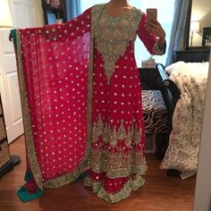 Pakistani indian Shaadi bridal lehenga heavy sari Beautiful bridal lehenga. Very heavy! The anarkali on top is floor length. Cheaper thru eBay. Perfect for shaadi, mehndi, indian Pakistani or eid. Saree sari, anarkali Dresses