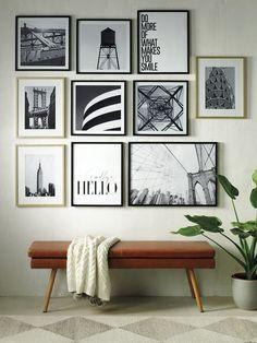Recibidor moderno Seattle Homes, Hallway Designs, Tiny Spaces, Elle Decor, Frames On Wall, Beautiful Interiors, Home Decor Bedroom, Interior Design Living Room, My Dream Home