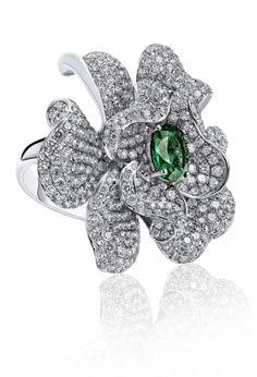 #emerald #ring #royal