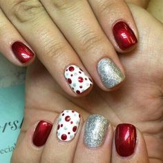 Cool 40 Amazing Christmas Nail Art Designs Ideas For Your Inspiration Christmas Gel Nails, Holiday Nails, Silver Christmas, Diy Christmas Nails Easy, Red Christmas Nails, Christmas Christmas, Red And Silver Nails, Christmas Nail Art Designs, Dipped Nails