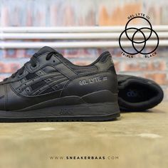 #asics # #gellyteIII #tripleblack #sneakerbaas #baasbovenbaas  Asisc Gel-lyte V ''Triple Black'' - The Gel-Lyte III in a all black edition. They used a mix of leather and textile with a mesh upper.  Now online available | Priced 109,99 Euro! | Size 39.5 EU - 46 EU.