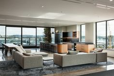 A really special and professional lounge space at Mayne Wetherell Offices - Auckland - Office Snapshots Ceo Office, Luxury Office, Lawyer Office, Corporate Interiors, Office Interiors, Black And White Office, Creative Office Space, Modular Lounges, Office Interior Design