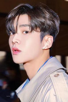 Asian Actors, Korean Actors, Hot Actors, Actors & Actresses, Neoz School, Sans Cute, Hot Korean Guys, Hair Reference, Kdrama Actors