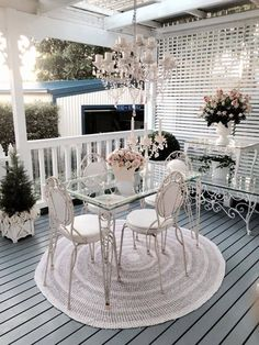 It may sound odd but shabby chic furniture is highly in demand these days. You must be thinking that how can something chic and elegant be shabby. Decor, Porch Decorating, Chic Home, Shabby Chic Patio, Chic Decor, Porch And Balcony, Outdoor Living Room, Shabby Chic Furniture, Chic Home Decor