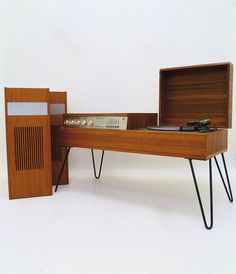 Image of VINTAGE FERGUSON RECORD PLAYER/RADIO & HAIRPIN LEGS