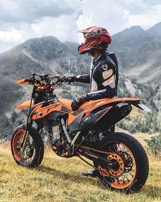 Ktm Dirt Bikes, Cool Dirt Bikes, Motorcycle Dirt Bike, Futuristic Motorcycle, Moto Bike, Motocross Love, Motorcross Bike, Ktm Supermoto, Enduro