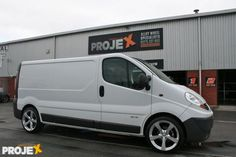 Renault Traffic White 20inch Spin silver