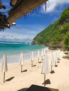 Sundays Beach Club, Ungasan: See 1,601 unbiased reviews of Sundays Beach Club, rated 4 of 5 on TripAdvisor and ranked #2 of 38 restaurants in Ungasan.