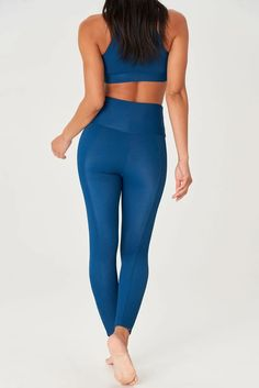 Feel supported and sleek during vinyasa, kundalini and hot yoga in Onzie's High Neck Crop in Empathy Rib. With a body-hugging ribbed fabrication and high-coverage fit, it's perfect for low impact workouts. Low Impact Workout, Sports Luxe, Hot Yoga, Sport Fashion, Fashion Forward, Monochrome, Workouts, Crop Tops, Fit