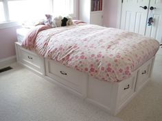 Twin-size Storage Bed | Do It Yourself Home Projects from Ana White--use instructions to build bench seating w/storage