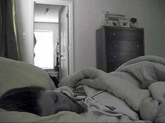 叫不醒...乾脆用體重壓到起床