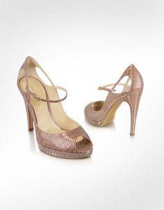 Nothing like an Italian peep toe shoe to make one smile.