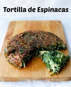 Spinach and Kale Tortilla. Just 2 eggs make this tortilla a great vegetable lunch. Quick and easy. (in Spanish) South American Dishes, Latin American Food, Latin Food, Chilean Recipes, Italian Recipes, Chilean Food, Vegetable Lunch, Spinach Tortilla, Honey Cookies
