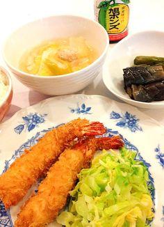 揚げ物はまだ要練習(~_~;) - 9件のもぐもぐ - 海老フライ&鶏つくねと白菜のスープ&茄子煮びたし by Kappachan
