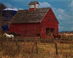 White Horse Barn by jackalope22 on flickr