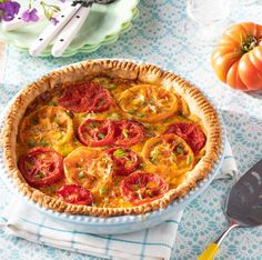 tomato pie recipe Summer Vegetable Recipes, Veggie Recipes, Summer Recipes, Vegetarian Recipes, Healthy Recipes, Tomato Pie, Savoury Dishes, Vegetable Dishes, Cooking Recipes