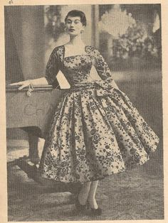 A beautiful full skirted dress by Roecliff and Chapman, 1955. #vintage #1950s #fashion
