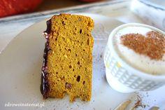 Zdrowo i na temat...: Wilgotne ciasto z pieczoną dynią. Bez glutenu, mleka i cukru. Z karmelizowaną gruszką i płynną czekoladą.
