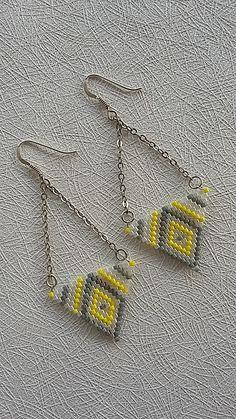 Beaded Earrings Patterns, Seed Bead Patterns, Peyote Beading, Seed Bead Earrings, Diy Earrings, Jewelry Patterns, Beading Patterns, Beadwork, Jewelry Making Tutorials
