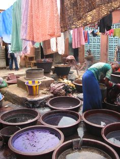 dyeing bezin cloth, Bamako, Mali