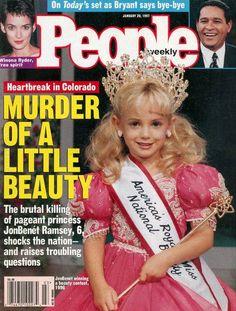 JonBenét Ramsey, concursante de certámenes de belleza infantiles, brutalmente asesinada en el sótano de su casa el 26 de diciembre de 1996. Tenía 6 años.