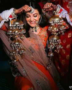 Cute Celebrities, Celebs, Indian Celebrities, Bridal Chuda, Wedding Stills, Social Dresses, Bollywood Wedding, Bollywood Couples, Bridal Poses