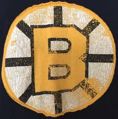 Boston Bruins CCM Throwback Spoked B Applique NHL Size XL Lagenlook T-Shirt  VGUC  865d184da