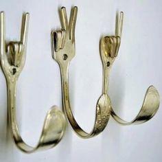 Simpel maar mooi; vork haakjes!