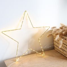 Etoile lumineuse dorée à led Led, Cute Wallpapers, Xmas, Candles, Gifts, Baby, Home Ideas, Light Garland, Pretty Phone Backgrounds