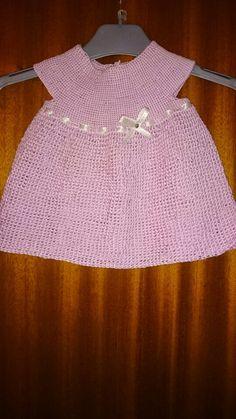 Handmade by Vissing, hæklikg, hæklerier, lyserød kjole, børne tøj, garn, http://svhedith.wix.com/handmadebyvissing/