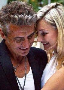 Luciano Ligabue si è sposato For You Song, Couple Photos, Gossip, Singers, Lamps, Cinema, Beautiful, Film, Musica