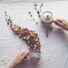 Floral Tea Story by Marina Malinovaya Presents Beautiful Teacup Flowers Photography Series, Flat Lay Photography, Still Life Photography, Creative Photography, Food Photography, Levitation Photography, Floral Photography, Teacup Flowers, Flower Tea