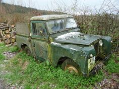 Old classic Landrover on Wenlock Edge